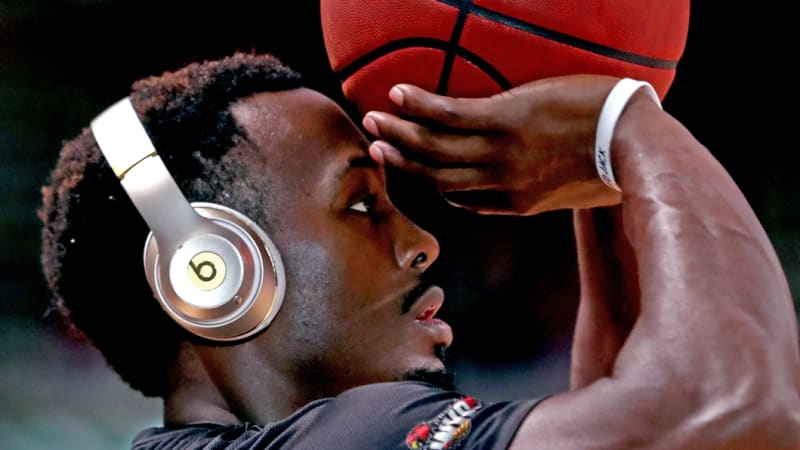 'Couldn't care less': Hawks coach defends sluggish former MVP