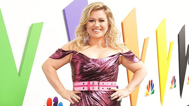 Kelly Clarkson: 15 Pics Of Her Most Stunning Looks On Season 15 Of 'The Voice'