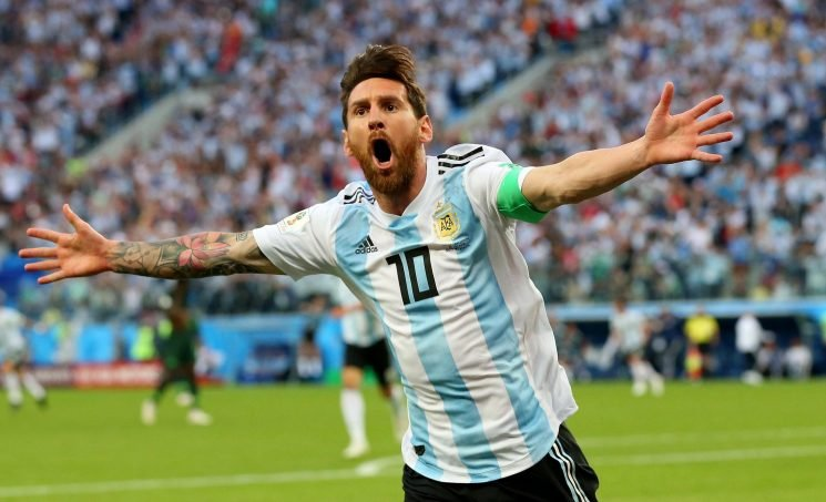 Lionel Messi holds talks with Argentina chiefs over shock return to national side in 2019