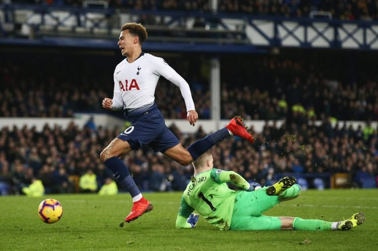 Dele Alli injury fears after Spurs ace taken off after clash with Jordan Pickford