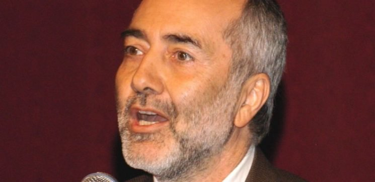 Raffi Takes A Political Turn On Social Media