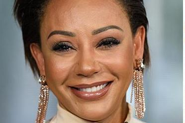 Mel B looks closer than ever to mum and sister after 10 year estrangement in cosy family snap