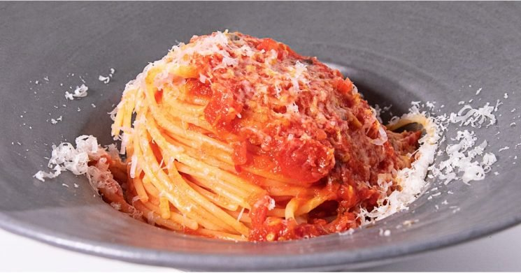 This Is the 7-Ingredient Spaghetti Pomodoro Recipe That Won the Pasta World Championship