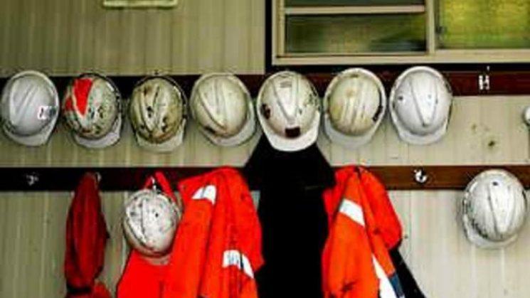Fears for nine men trapped in Russian salt mine