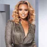 Eva Marcille wants a good night of sleep for Christmas
