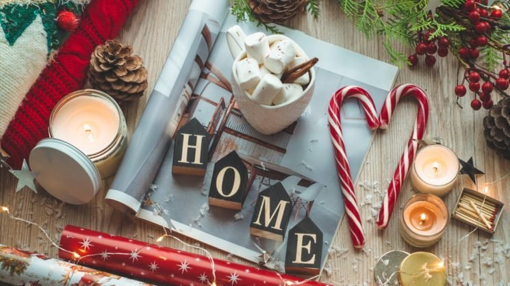 11 Festive Ways To Decorate A Small Space For The Holidays