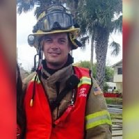 Firefighter donates kidney to help save stranger
