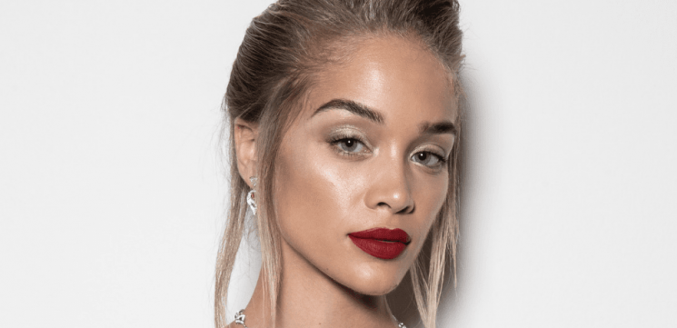 Jasmine Sanders Wears Nothing Under A Robe & Says 'Santa, I Think I Need Pants For Christmas' On Instagram