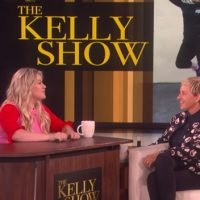 Kelly Clarkson Is 'Clear Favorite' To Replace Ellen DeGeneres If Comedian Quits Her Show