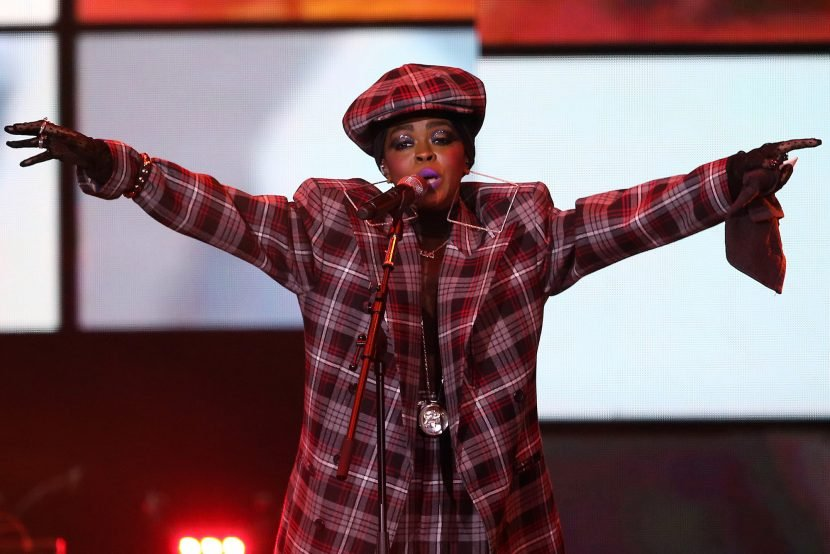 Lauryn Hill praised for starting concert only 20 minutes late