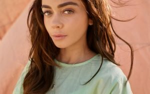Sarah Hyland Reveals She Had a Second Kidney Transplant and 'Was Contemplating Suicide'