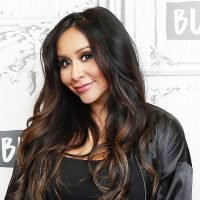Snooki Shows Off Baby Bump and People Can't Believe How 'Tiny' She Looks
