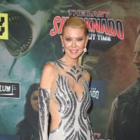 "Tara Reid Is Suing The ""Sharknado"" Producers For $100 Million Over Slot Machines"