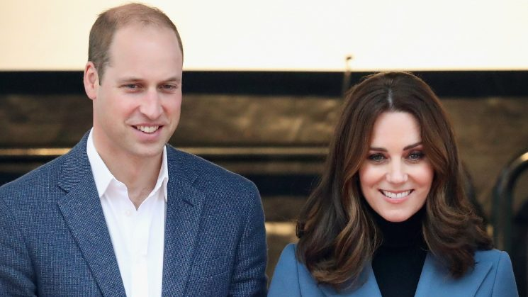 Prince William & Kate Middleton Attempt a Super-Casual Xmas Card Pic, & It's Amazing