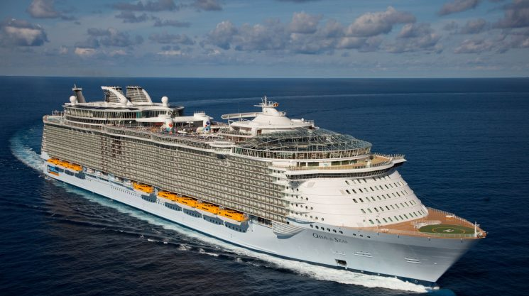 One of the world's biggest cruise ships, Oasis of the Seas, to make New York home