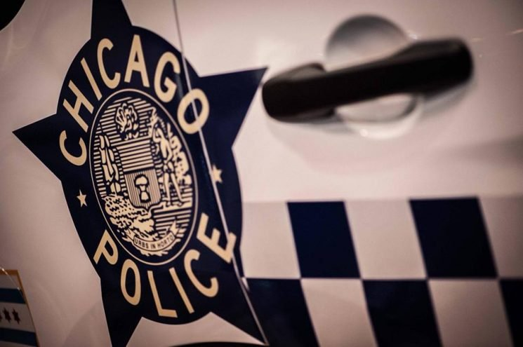 2 Chicago police officers responding to a shots-fired call are struck, killed by train