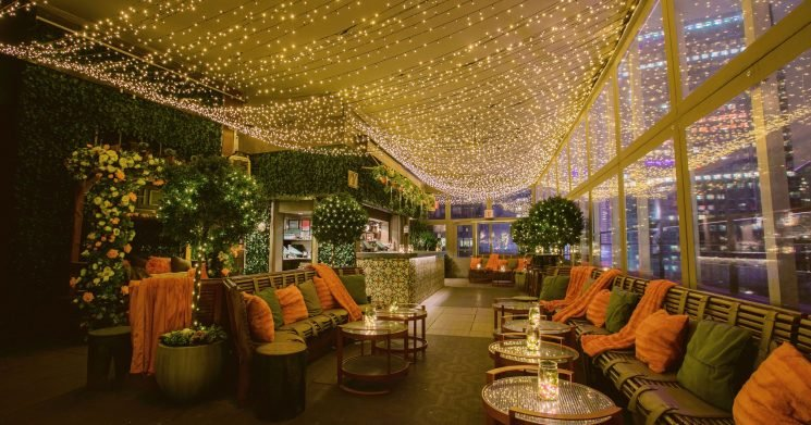 Make merry at these holiday-themed pop-up bars and restaurants
