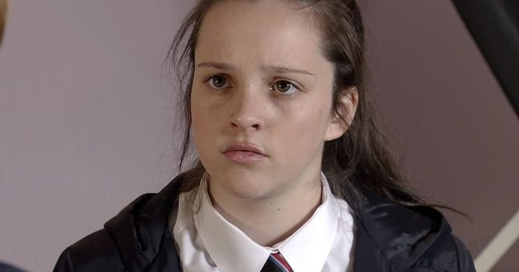 Corrie fans slam 'same old stories' as another teen pregnancy storyline emerges