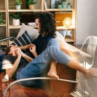 4 Things You'll Notice If Your Partner Isn't Ready To Move In, But Is Very Much In Love