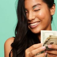 The Best Budget Tips For Your Personality & Spending Habits, According To An Expert