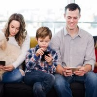 Parents should not reward children with extra screen time