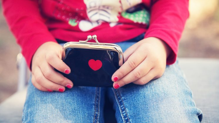 5 Money Tips You Need to Share With Your Daughter