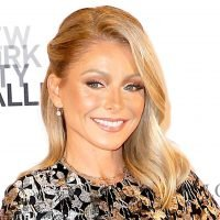 LOL! Kelly Ripa Says Her Body 'Looks Like Peter Pan No Matter What'