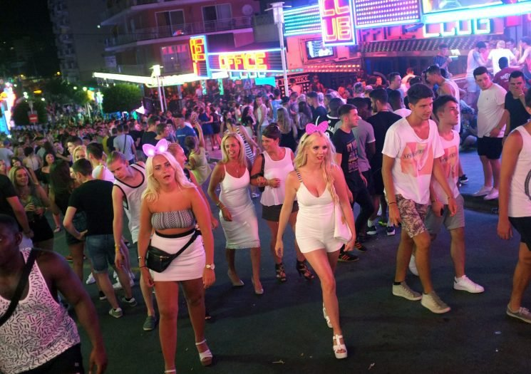 Brits rejoice as Magaluf to scrap all-inclusive alcohol ban