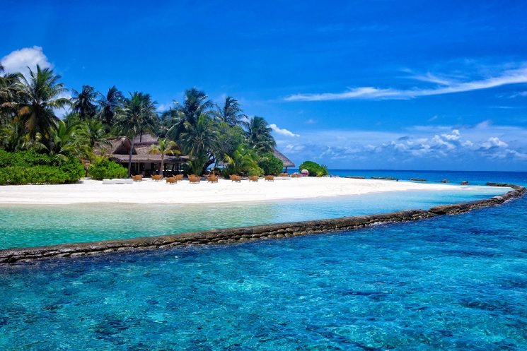 Maldives authorities issue travel warning for holidaymakers to take 'extra caution' after five tourists drown in two weeks
