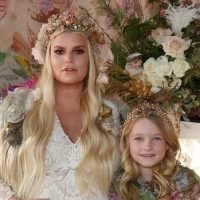 The Secret to Jessica Simpson's Boho-Chic Baby Shower Look