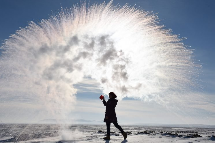 Here's Why You Shouldn't Risk the Cold for a Cool Picture on Instagram