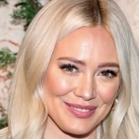Hilary Duff Criticized for Food Choice While Breast-Feeding Daughter Banks