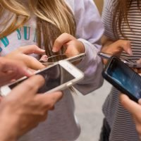 New App ReplyASAP (Invented by a Dad!) Locks Kids' Phones Until They Message Their Parents Back