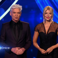 Holly Willoughby's Dancing on Ice reunion with Phillip Schofield has viewers beaming with joy