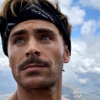 Zac Efron Shows Off His Unbelievable Abs While Golfing & We're Swooning – Watch