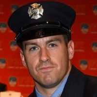 FDNY firefighter falls off bridge, dies while trying to rescue trapped motorists