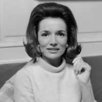 Lee Radziwill, socialite sister of Jacqueline Kennedy, dies at 85