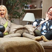 What time is Gogglebox on tonight and who are this season's families?