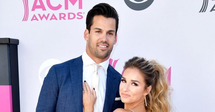 Jessie James Decker Plans to Post a Nude of Eric Decker 'From the Back'