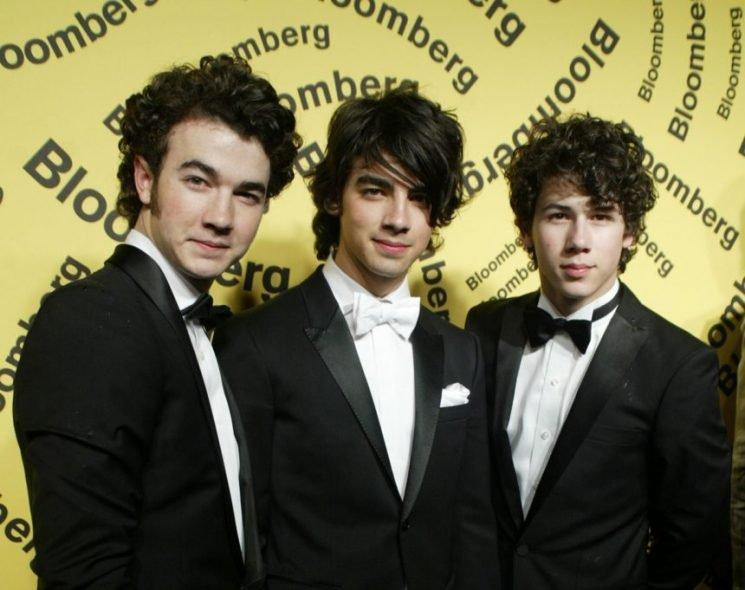 Jonas Brothers Reuniting — With NEW MUSIC!!!