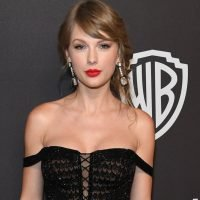"""Taylor Swift Basically Shared Her Throwback Playlist, and It Includes Songs For """"Bad Breakups"""""""