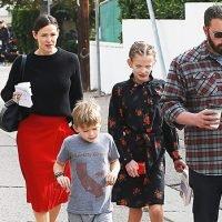 Jennifer Garner Reveals How She & Ben Affleck 'Adapt' To Raising Kids In The Spotlight