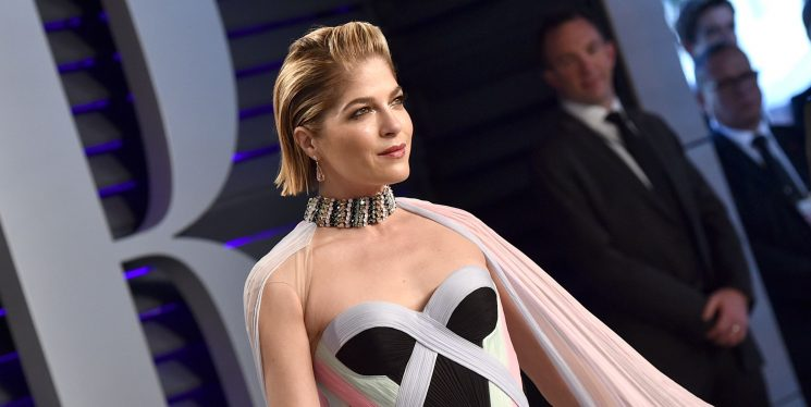 Selma Blair Says She Thought Her MS Was A 'Pinched Nerve' At First