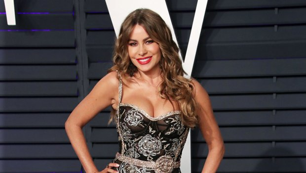 Sofia Vergara, Jessica Alba and More Stun On 'Vanity Fair' Oscar Party Red Carpet: See The Glitzy Outfits