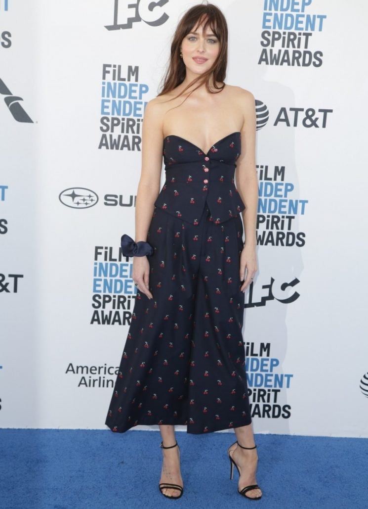 Dakota Johnson looked awesome in a low-key Gucci at the Spirit Awards