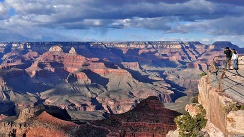 Grand Canyon tourists exposed to radiation inside building for nearly two decades, safety manager claims