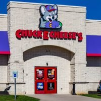 Chuck E. Cheese's forced to deny rumors of splicing together leftover pizzas following viral 'conspiracy' video