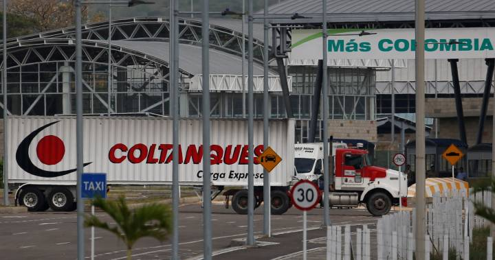 U.S humanitarian aid bound for Venezuela arrives at Colombia border
