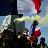 Support for France's 'yellow vests' dwindles as protests enter 14th weekend