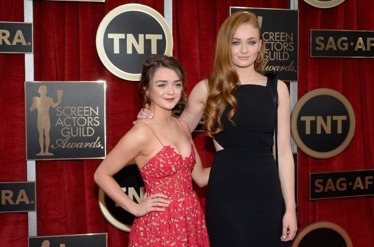 Maisie Williams & Sophie Turner Look NOTHING Like Their GoT Characters On Rolling Stone